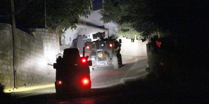 Şırnak'ta polis servisine bombalı saldırı!
