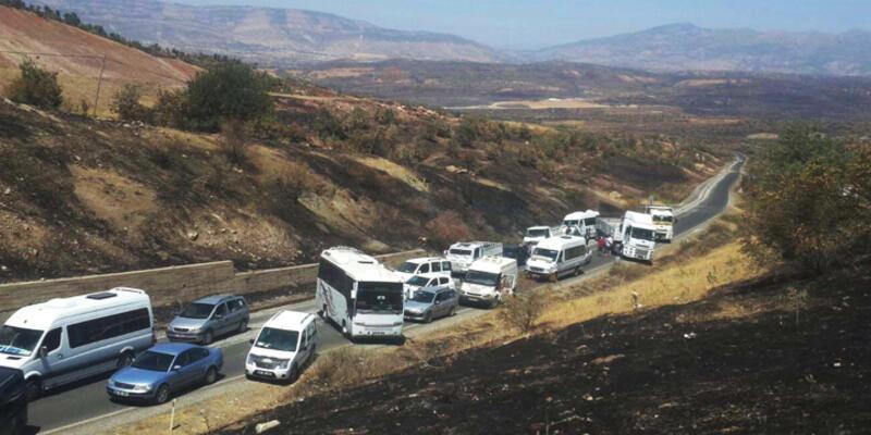 Diyarbakır'da yol kesen PKK'lılar 1 askeri kaçırdı