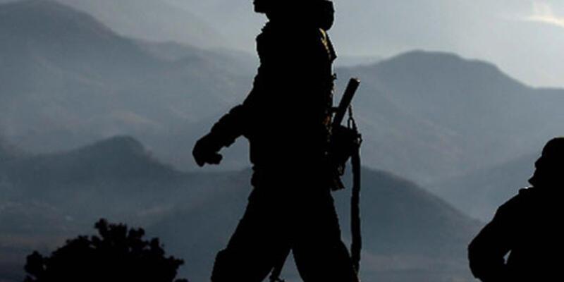 Çukurca'da askere taciz ateşi