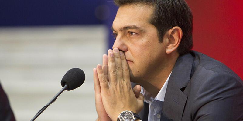 Yunanistan'da Çipras istifa etti, ülke erken seçime gidiyor!