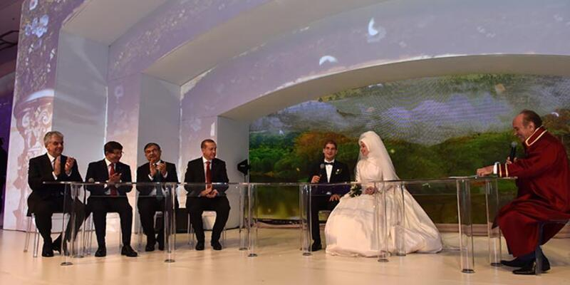 Abdullah Gül'ün oğlu Erdoğan'ın şahit olduğu nikahla evlendi