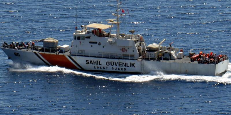 Kaçak teknesi battı: 3 ölü