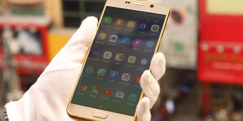Altın Kaplamalı Galaxy Note 5