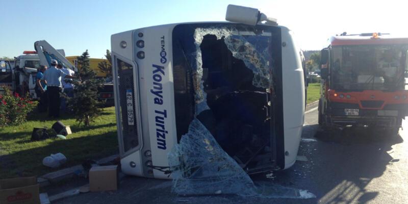 Ambulansa yol vermek isterken kaza yaptı: 16 yaralı