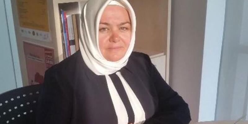 Ayşen Gürcan ilk başörtülü kadın bakan oldu