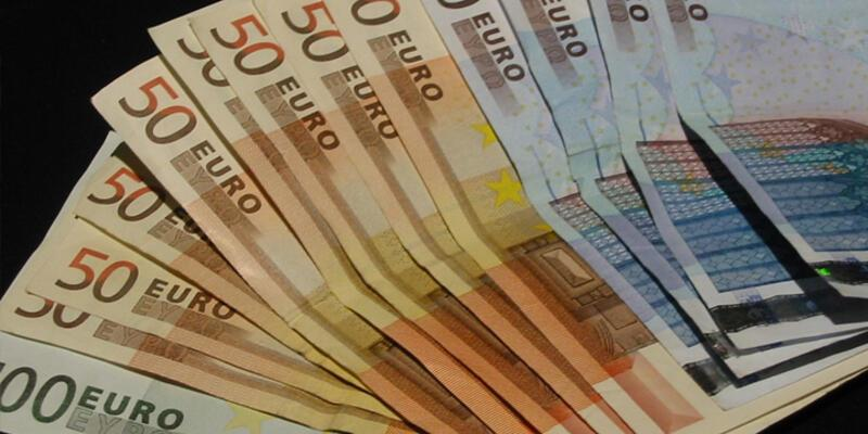Çocuğunu işe alana 5 bin Euro verecek