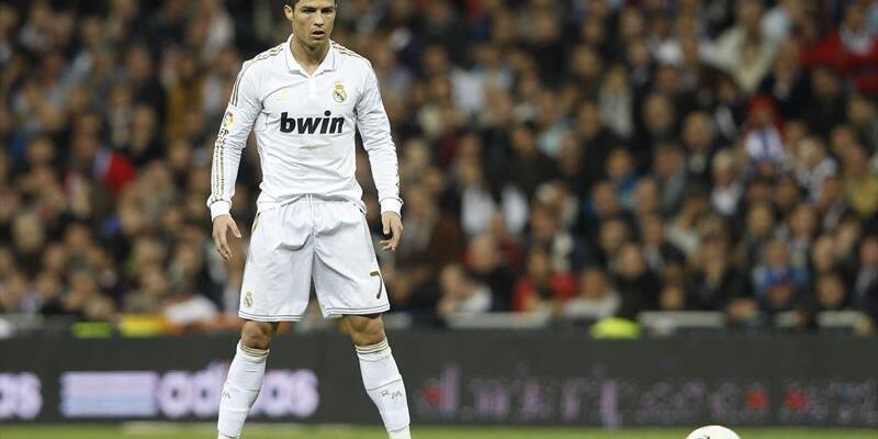 Ronaldo: 5-6 yıl daha oynarım