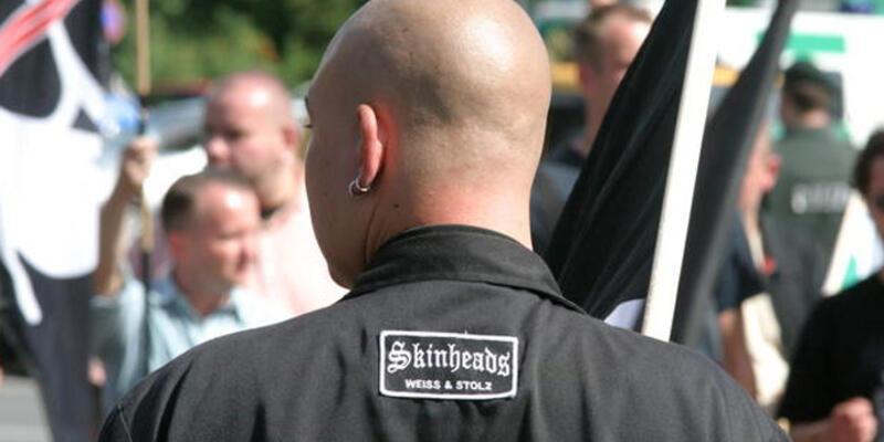"""Alman yargıçtan neonazilere """"kurs"""" cezası"""