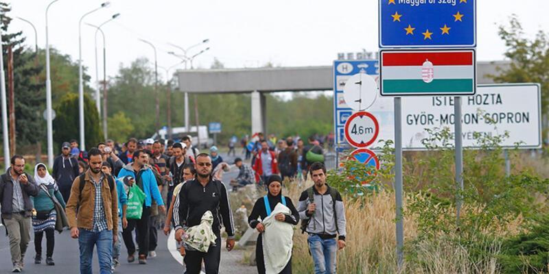 Avusturya , Macaristan'a tren seferlerini durdurdu