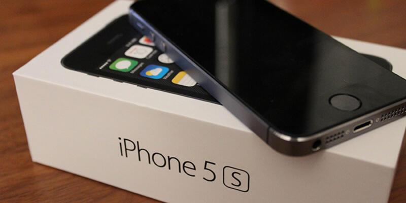 8 GB iPhone 5s geliyor