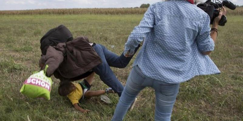 Kadın kameramanın çelme taktığı mülteci bakın kim çıktı?