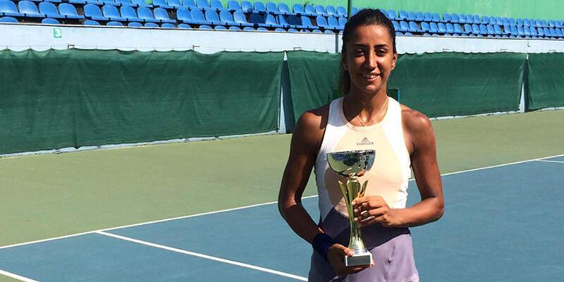 Çağla Büyükakçay Gürcistan'da şampiyon