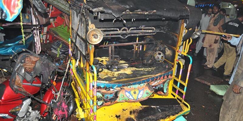 Pakistan'da patlama: 11 ölü, 79 yaralı