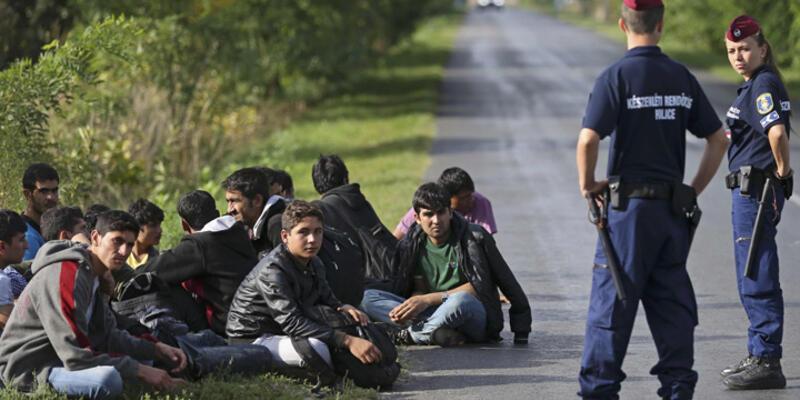 """Avrupa Komisyonu'ndan """"Göçmen Krizi"""" için eylem paketi"""