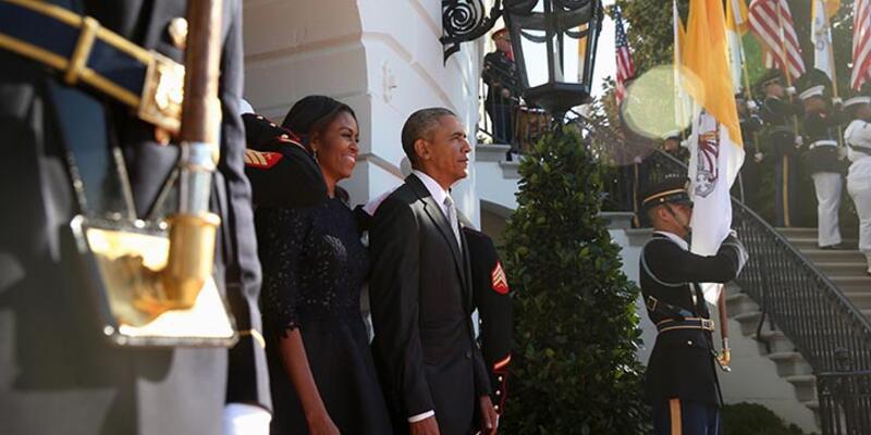 Obama çiftinden bayram kutlaması