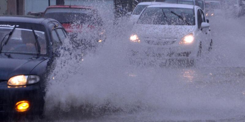 Meteorolojiden İstanbul için kuvvetli yağış uyarısı