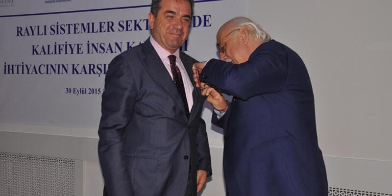 Milli Eğitim Bakanı cebinden çakıyı çıkarıp...