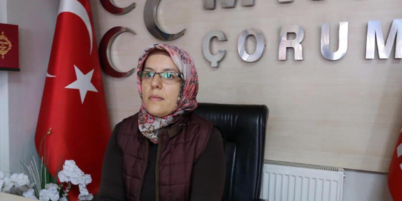 """MHP'li kadınlar """"Cumhurbaşkanına hakaret etti"""" iddiasıyla gözaltına alınmak istendi"""