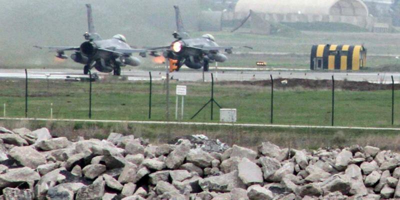 ABD uçakları Diyarbakır'da