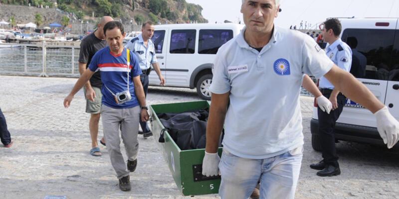 Antalya'da denizden kadın cesedi çıktı