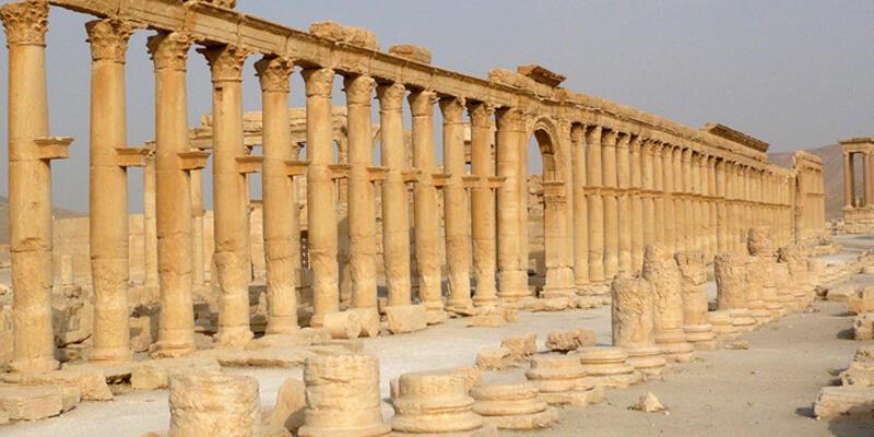 Palmira yok oluyor...