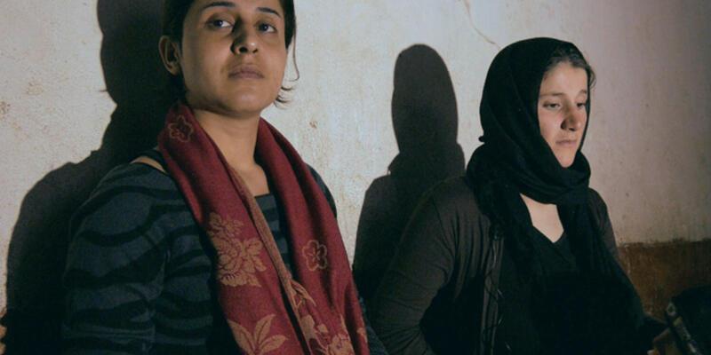 """Ezidi seks kölesi: """"10 militan tecavüz edince Müslüman olacaksın"""""""