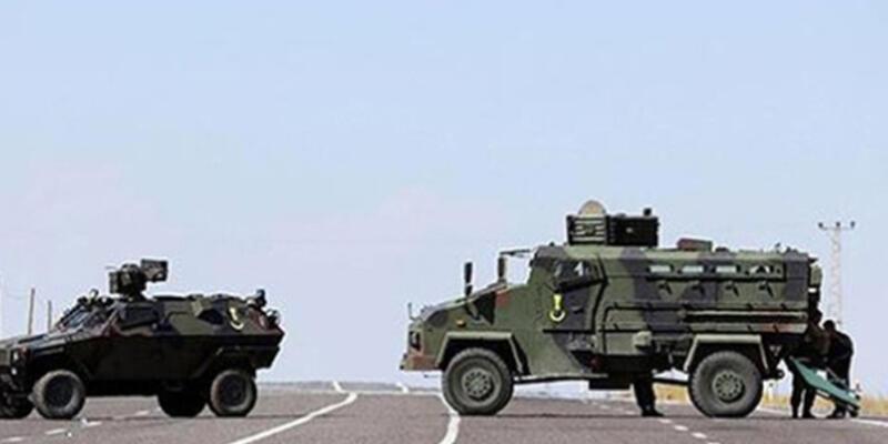Askeri araç devrildi: 13 yaralı