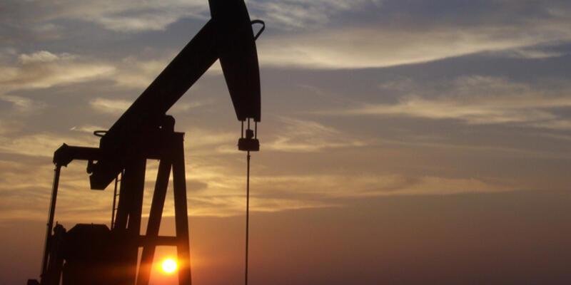 Büyük petrol şirketleri panikte: Petrolün sonu mu göründü?