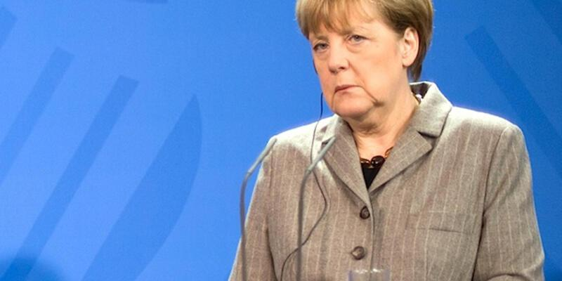 Angela Merkel'den ''1 Kasım'' açıklaması