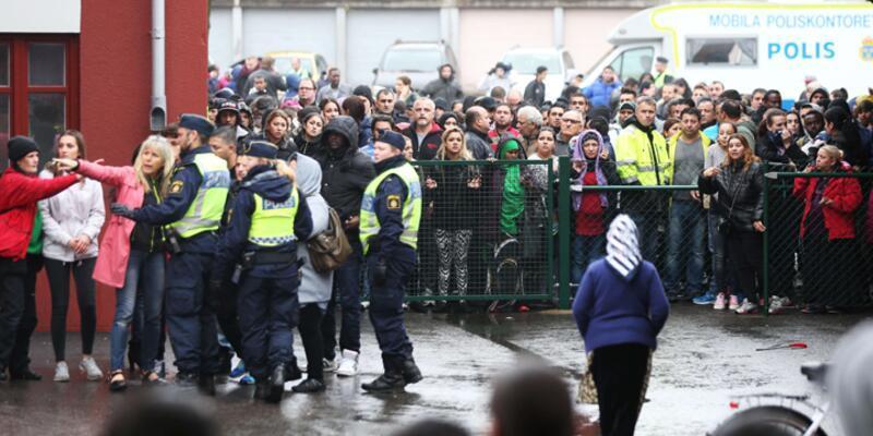 İsveç'te okulda kılıçlı saldırıda ölenlerin sayısı ikiye çıktı