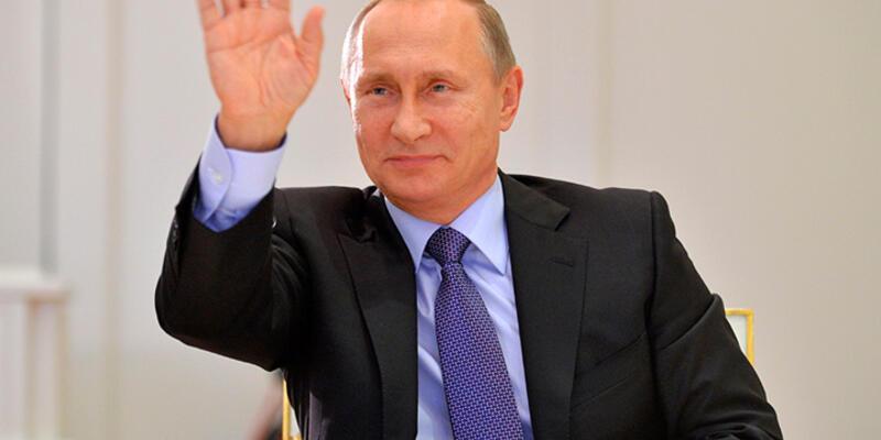 """Putin: """"Modern silahlarla donatılmış modern bir ordu..."""""""