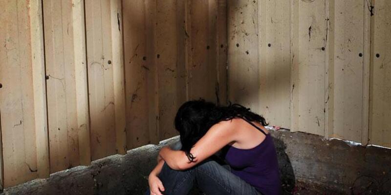 Tecavüzcüsünün cinsel organını kesip kanıt olarak polise verdi
