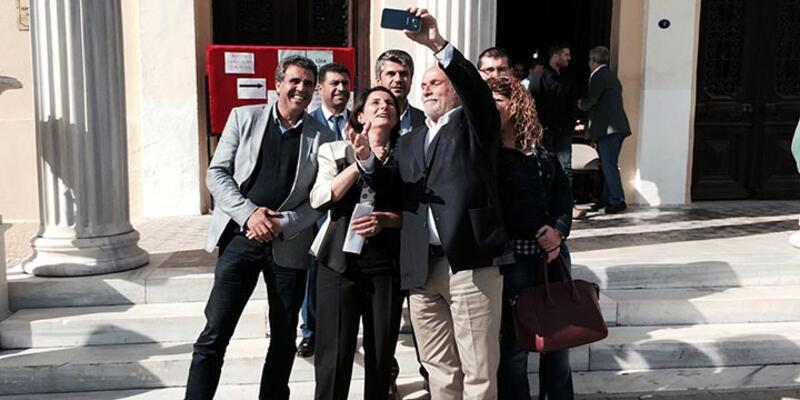 HDP'li Ertuğrul Kürkçü'den selfie