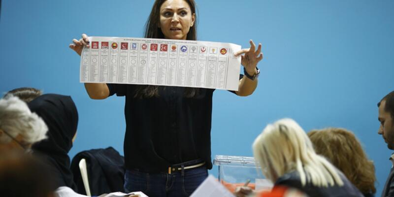 "Fransa'da da Türkler ""AKP"" dedi, HDP ikinci oldu"