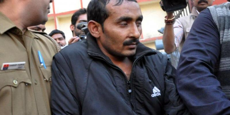 Hindistan'da tecavüzcü taksiciye ömür boyu hapis cezası