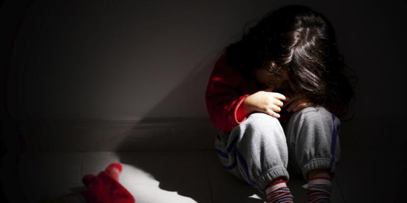 4,5 yaşındaki çocuğu taciz etti 27 yıl hapis cezası yedi