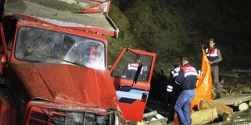 Bartın'da kaza: 2 kişi öldü 4 kişi yaralandı