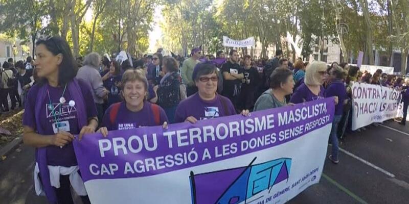 İspanya'da kadına şiddete karşı büyük yürüyüş