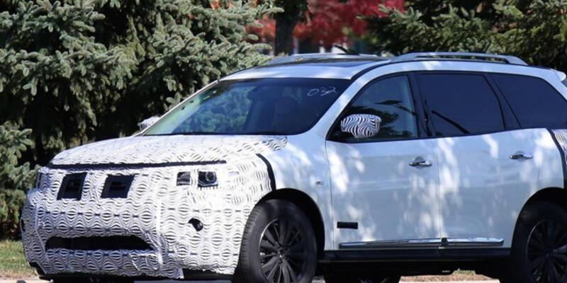 Makyajlı Nissan Pathfinder kamuflajlı yakalandı!