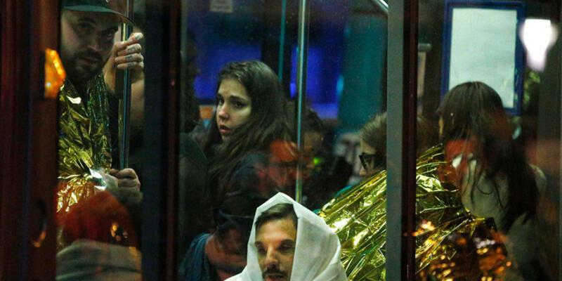 """Tanıklar Paris'teki  """"kanlı saldırı""""yı anlattı"""