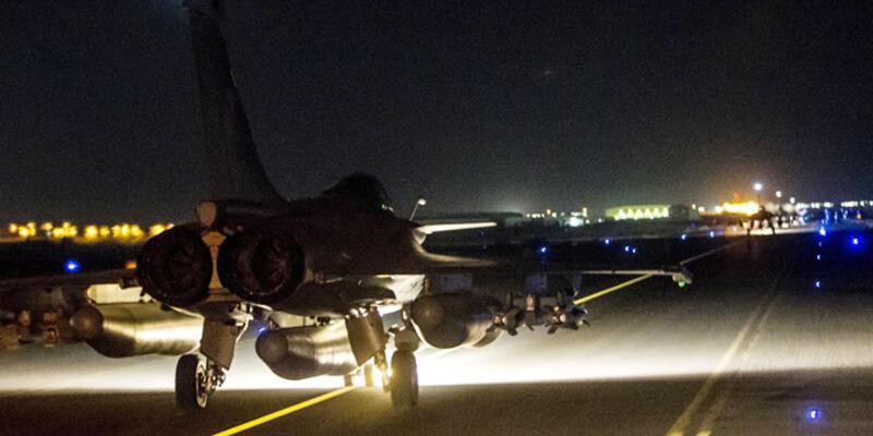 """IŞİD: """"Fransız hava saldırıları 'boş yerleri' vurdu"""""""