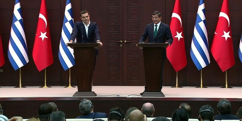 Davutoğlu ve Çipras ortak basın toplantısı düzenledi