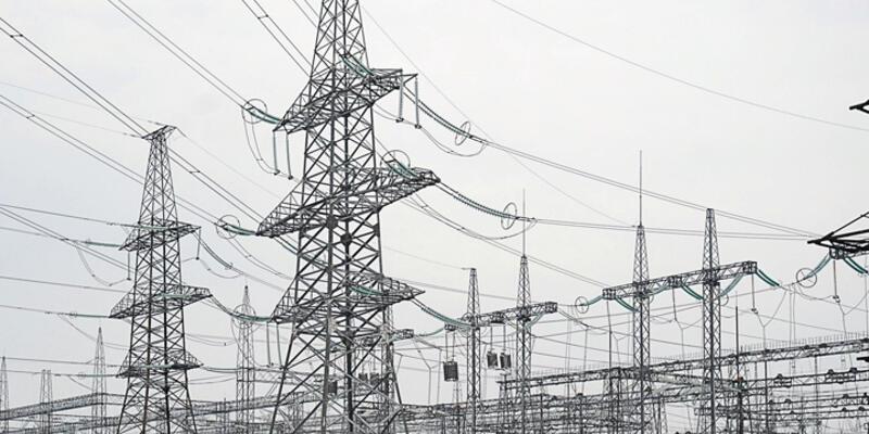 Kırım'da elektrikler kesildi, olağanüstü hâl ilân edildi