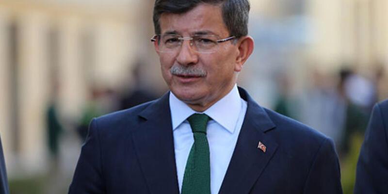 Başbakan Davutoğlu gazetecilere açıklamalarda bulundu
