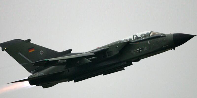 Almanya Suriye'ye keşif uçağı gönderiyor