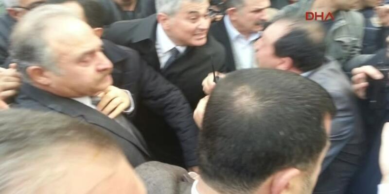 Ankara'da CHP'li vekillere ve gazetecilere gazlı müdahale