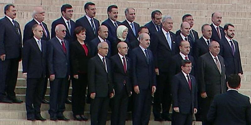 64. hükümet Anıt Kabir ziyaretiyle göreve başladı