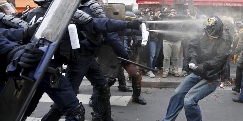 Paris'te protesto ve polis müdahalesi