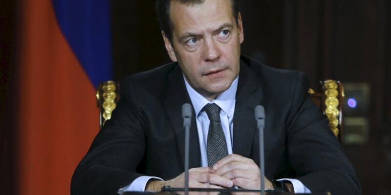 Medvedev'den Türk vatandaşlarına iş müjdesi