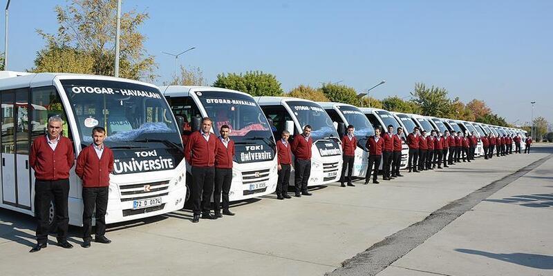 Minibüsçülerden Üniversite Öğrencilerine Destek